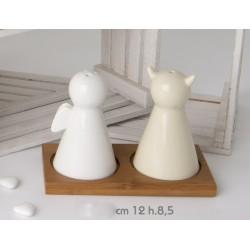 Sale e pepe ceramica angelo/diavolo bianco e panna con base legno CM 12 H 9 con scatola