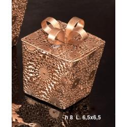 Scatolina forma pacco regalo apribile CM 7x7 H 8