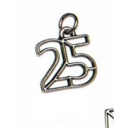 Ciondolo 25° in ottone con bagno argento. CM 3