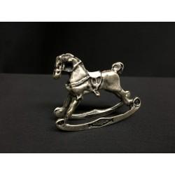 Cavallo mignon in argento con sella smalto rosa. CM 2-3