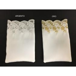 Sacchetto cotone con bordo oro o argento.