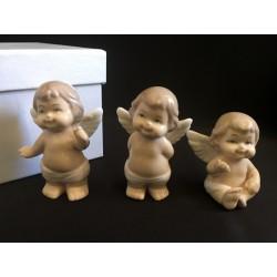 Tris di angeli in porcellana con scatola