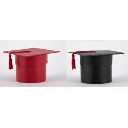 Scatola cartoncino forma tocco laurea rosso o nero. Diam. 7.5 H 7