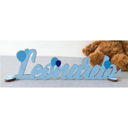 Scritta in legno colorato personalizzato con decoro palloncinii. Colore e scritta a scelta. Lunghezza MAX 40 CM