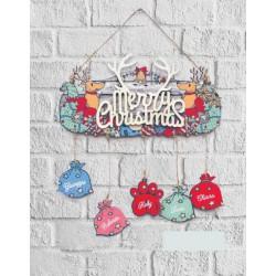 Targa legno personalizzata con nomi famiglia e decori natalizi. CM 28x14