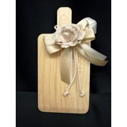 Tagliere legno con applicazione rosa e fiocchi. CM 13,5x9