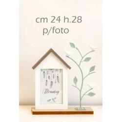 Portafoto casa legno con albero metallo. CM 24 H 28