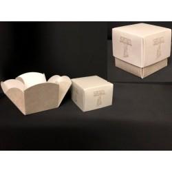 Scatola cartoncino fondo e coperchio con apertura fiore e decoro tau. CM 5x5 H 5