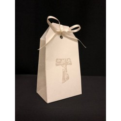Scatola cartoncino forma bustina con decoro tau. CM 5.5x3.5 H 10