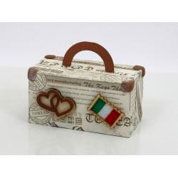 Valigia in cartoncino e legno. CM 8.5x4.5 H 4.5