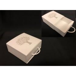 Scatola forma cassetto con decoro albero. CM 9x9 H 4