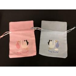 Sacchetto tessuto con stampa cicogna nascita. CM 9x13