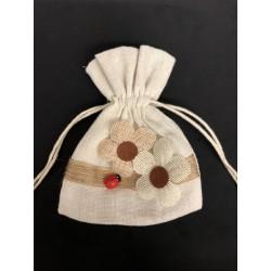 Sacchetto tessuto grezzo con applicazione fiori e coccinella. CM 10x13