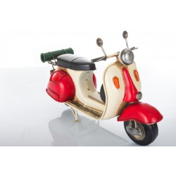 Vespa in latta
