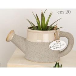 Porta piante forma annaffiatoio in ceramica. CM 20
