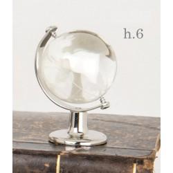 Globo vetro con dettagli bianchi e metallo. H 6