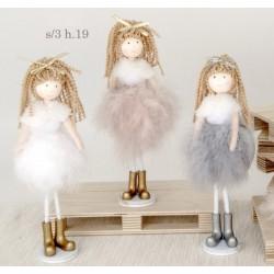Bambola con vestito piume. Ass 3. H 19
