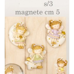 Fata in resina con magnete. Ass 3. CM 5