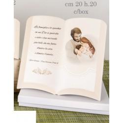 Libro resina con preghiera e disegno Sacra Famiglia tipo dipinto con scatola. CM 20x20