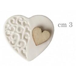 Gesso forma cuore con dettaglio cuore legno. CM 3