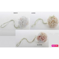 Sfera di fiori tessuto da appendere. Diam. 16