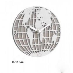 Orologio in legno con decoro mondo. H 11
