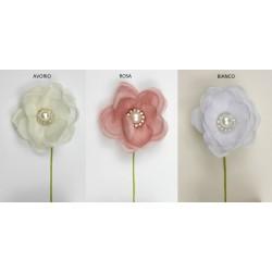 Tris fiore tessuto con strass e perla centrale. Diam. 5