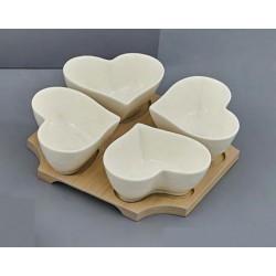 Antipastiera ceramica forma 4 cuori con base legno. CM 18x18