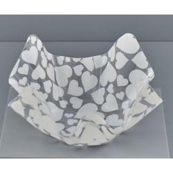 Ciotola plastica fazzoletto con cuori bianchi. CM 23x23 H 12