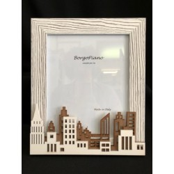 "Portafoto legno con decoro ""city"". CM 18x24. MADE IN ITALY"