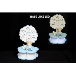 Albero legno con base luce LED e bimbo ceramica. Diam. 12 H 17