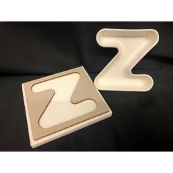 Vassoio legno con ciotola porcellana lettere. CM 12x12