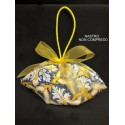 Sacchetto tessuto stampa maioliche a forma di cestino con manico cordone lucido. CM 14 MADE IN ITALY