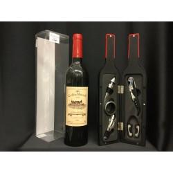Bottiglia vino in plastica con set accessori e scatola pvc .H 32