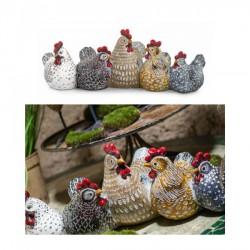Gruppo 5 galline in resina. CM 40x14 H 15.5