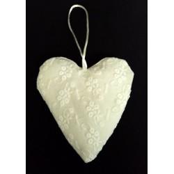 Cuscino portaconfetti forma cuore con ricami. CM 11x11
