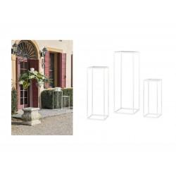 Set 3 basi a forma di parallelepipedo con piatto colore bianco. CM 22x22 H 55 / CM 30x30 H 90