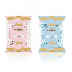 Confetti cioccomandorla incartati singolarmente rosa o azzurri. Busta da KG 1