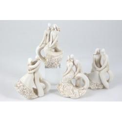 Statua sposi stilizzati in resina. Ass 4. H 11