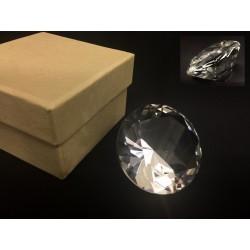 Diamante in vetro. Diam. 5 H 3 con scatola
