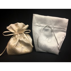 Sacchetto rasatello con decori lamè argento. CM 13x13