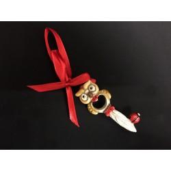 Chiave gufo resina con nastro rosso. CM 8