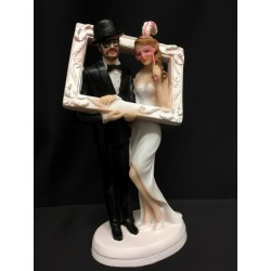 Cake topper coppia sposi con cornice photo boot in resina. H 18