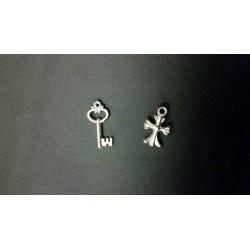Applicazione plastica silver chiave CM 2.5 o croce CM 2.2