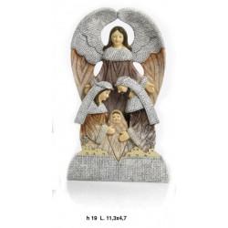Natività stilizzata in resina con angelo. CM 19