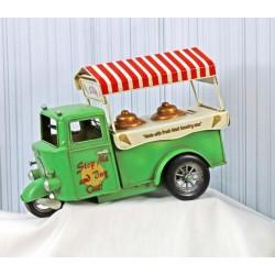 Salvadanaio in latta camioncino gelati. CM 33x11 H 23.