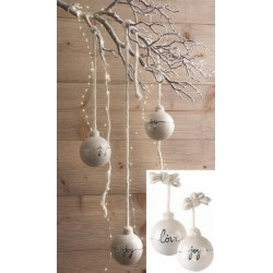 Palla natalizia da appendere in ceramica, colore perlato. Ass 2 Diam. 10