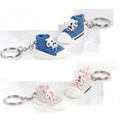 Scarpa da ginnastica portachiavi in resina, rosa o azzurro. CM 5