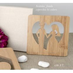 Sottopentola legno traforo cuore sposi con scatola. CM 17