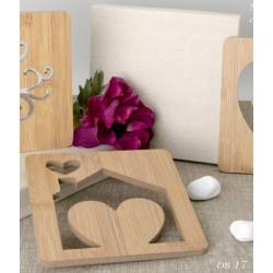 Sottopentola legno traforo cuore casa con scatola. CM 17